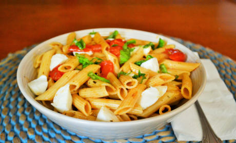 One Pot Caprese Pasta Recipe