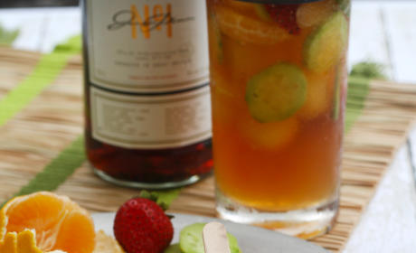 Pimm's Cup Ice Pops Image