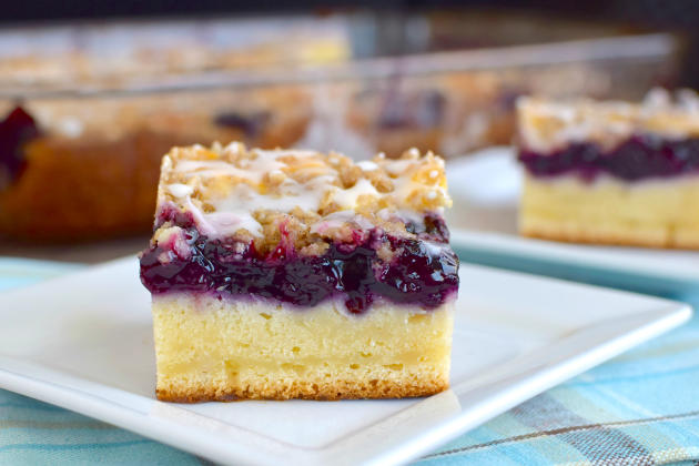 Blueberry Cream Coffee Cake Recipe - Food Fanatic