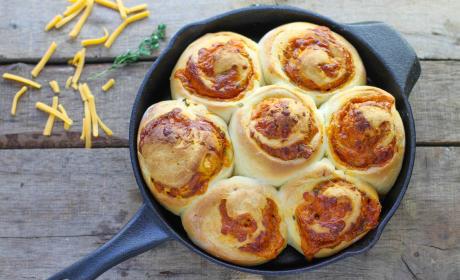 Cheddar Herb Swirl Rolls Recipe