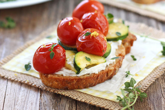 Roasted Zucchini and Tomato Crostini Photo