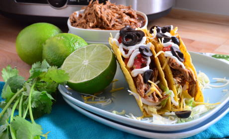 Slow Cooker Shredded Chicken Tacos Recipe