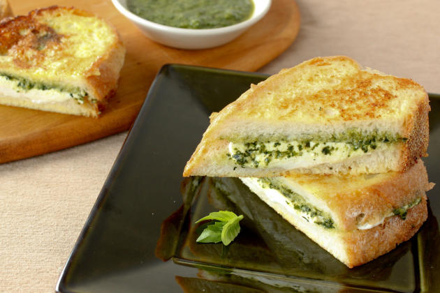 Mozzarella in Carrozza Sandwich