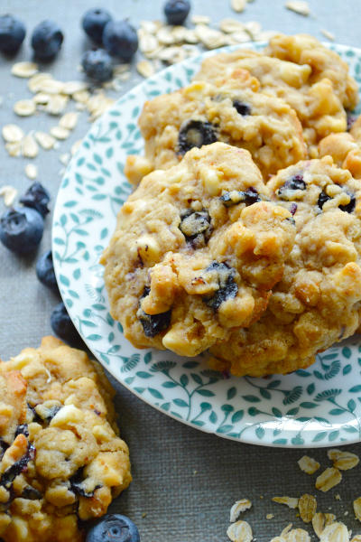 White Chocolate Blueberry Oat Cookies Picture