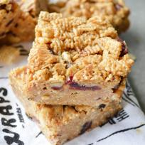 Peanut Butter Honey Cereal Bars Recipe