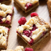 Raspberry Biscoff Crumb Bars Recipe