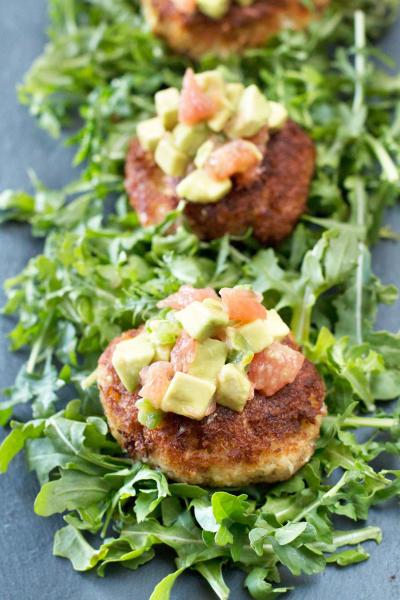 Crispy Crab Cakes with Avocado Grapefruit Salsa Pic