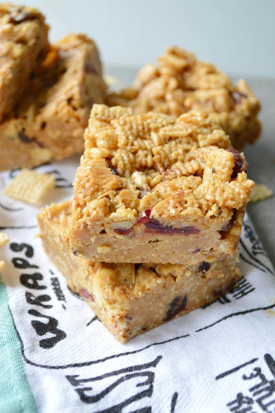 Peanut Butter Honey Cereal Bars Picture