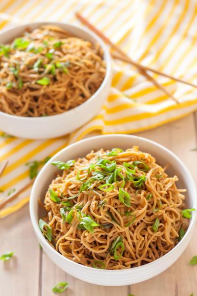 Gluten Free Sticky Garlic Noodles Pic