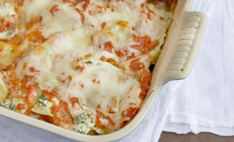 Sausage and Spinach Stuffed Shells for Sunday