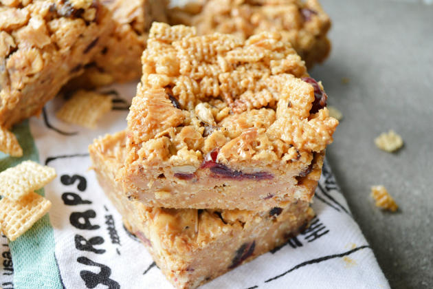 Peanut Butter Honey Cereal Bars Photo