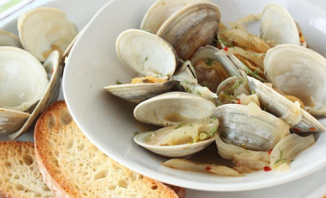 Spicy Clams and Fennel: A Taste of Southern Italy