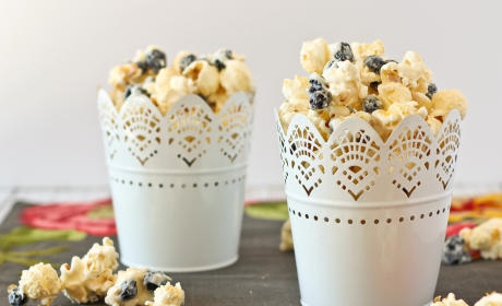 Blueberries & Cream Popcorn