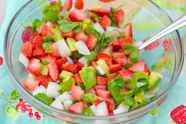Strawberry Salsa Chicken Image