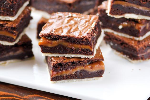 Twix Brownies - Food Fanatic