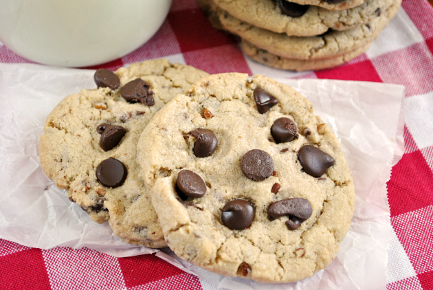 Copycat Mrs. Fields Cookie Photo