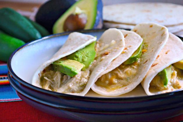 Slow Cooker Creamy Salsa Verde Chicken Recipe - Food Fanatic