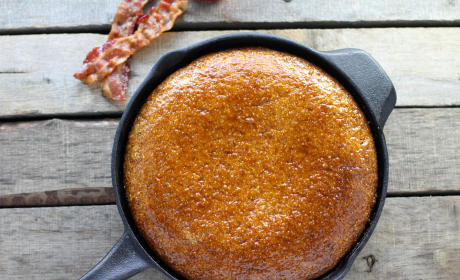 Maple Bacon Skillet Cornbread Recipe