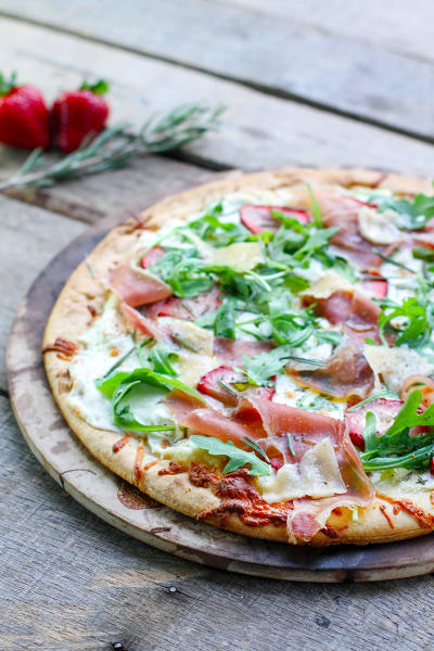 Prosciutto Pizza with Strawberries Picture