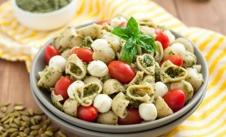 Gluten Free Pasta Salad with Pumpkin Seed Pesto