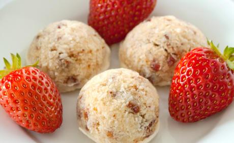 Gluten Free Strawberry Coconut Macaroons
