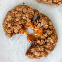 Caramel Apple Oatmeal Cookies Recipe