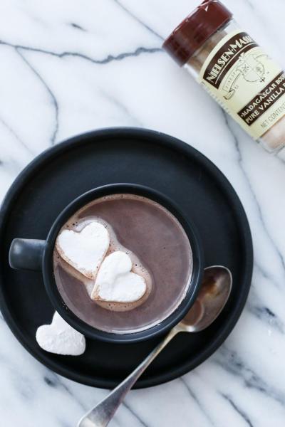 File 1 Salted Vanilla Hot Chocolate