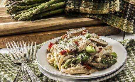 Creamy Asparagus Pasta Recipe