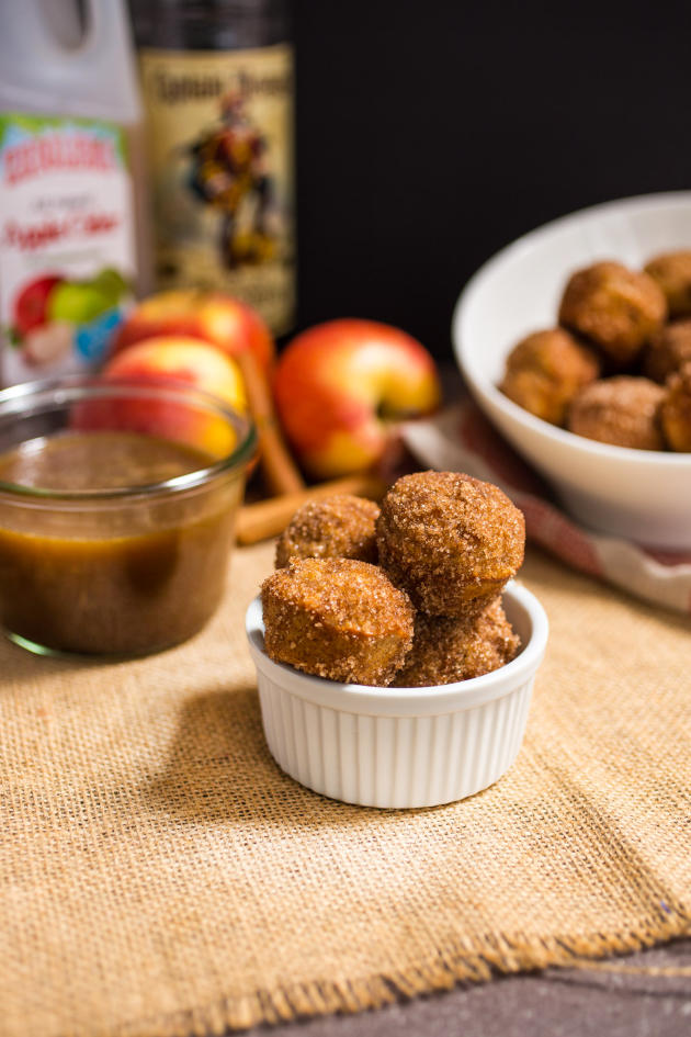 Apple Cider Donut Holes with Hot Buttered Rum Dipping Sauce - Food ...