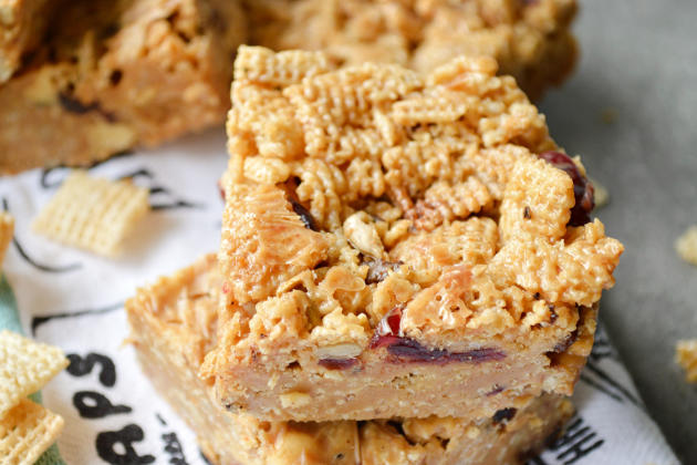 Peanut Butter Honey Cereal Bars Image