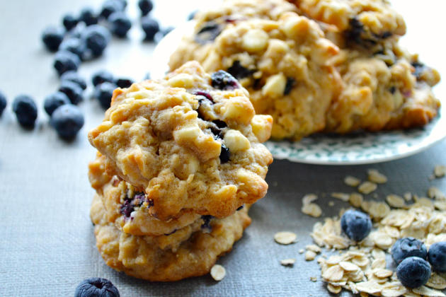 White chocolate blueberry oat cookies are a scrumptious breakfast ...