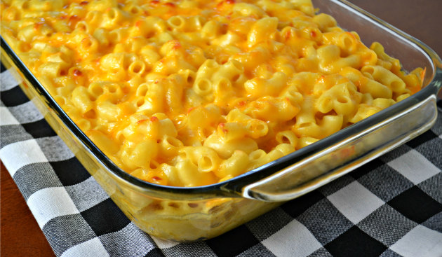 Baked Macaroni and Cheese: Weeknight Done Right - Food Fanatic