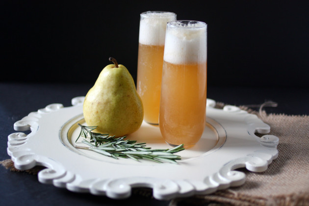 Pear vodka magical with rosemary food fanatic for Pear vodka mixed drinks
