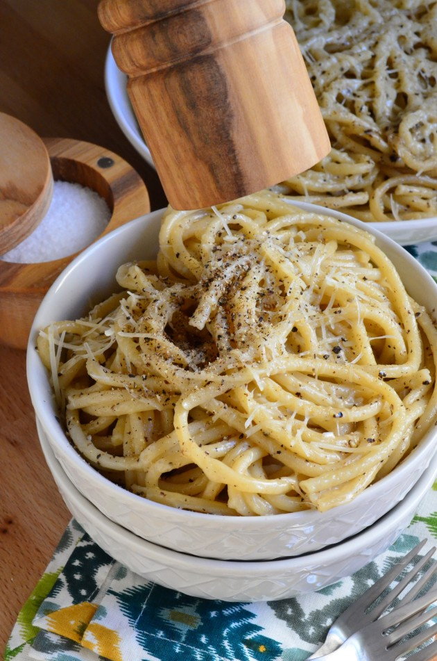 Cacio e Pepe Picture - Food Fanatic