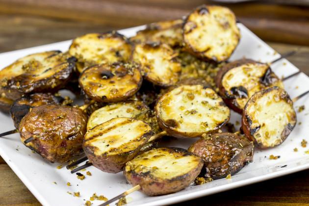 Garlic Rosemary Grilled Potatoes Recipe - Food Fanatic