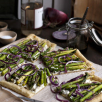 Asparagus-and-goat-cheese-tart-picture