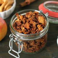 Homemade-granola-photo