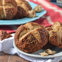 Pretzel-bread-photo