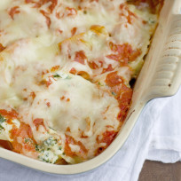 Sausage-and-spinach-stuffed-shells-photo