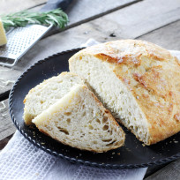 No-knead-artisan-bread-photo