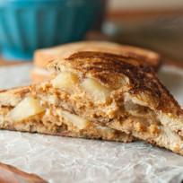 Apple Pie Grilled Peanut Butter Sandwich Recipe