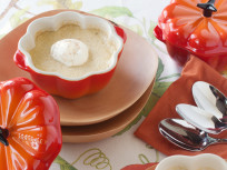 Le Creuset Stoneware Petite Pumpkin Casserole Review