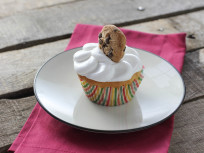 Cookie Dough Cupcakes with A Surprise