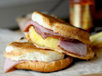 Spicy Grilled Cheese with Sweet Ham and Pineapple