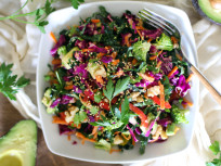 Detox Kale Salad to Make You Feel Amazing