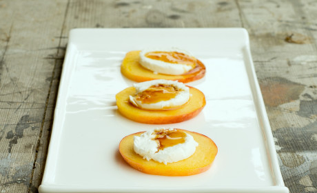 Fruit Appetizers: Apples and Peaches Made Fancy
