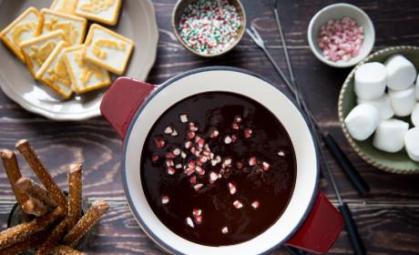 Chocolate Peppermint Fondue Recipe