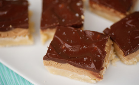 Chocolate Peanut Butter Shortbread Bars: Layers of Happiness