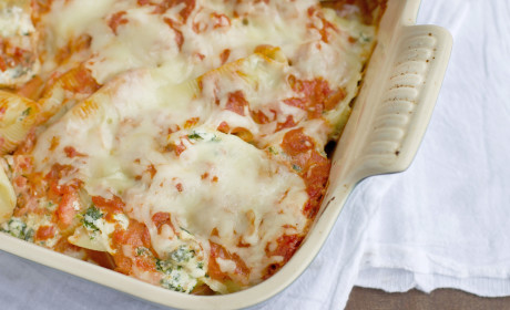 Sausage and Spinach Stuffed Shells Recipe