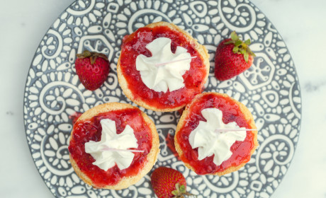 Strawberry Tres Leches Cupcakes Recipe